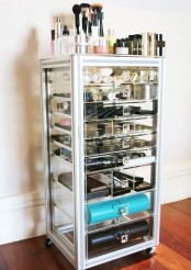 ways-to-organize-your-makeup-and-beauty-products-like-a-pro-25