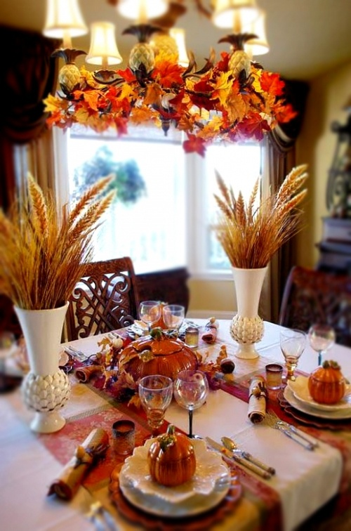 30 cool ways to use autumn leaves for fall home d cor for Pictures of fall table decorations
