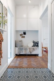 Creative IKEA Besta solution to fill the niche