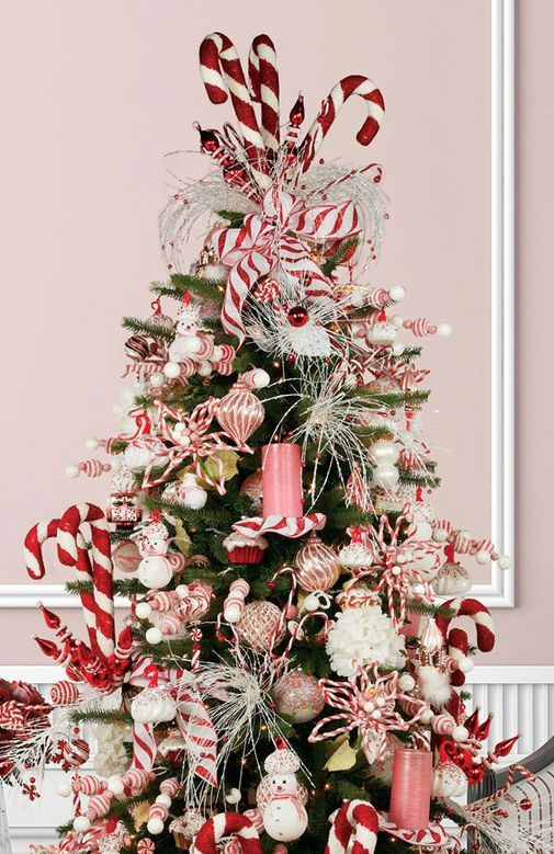 Whimsy And Creative Christmas Tree Toppers - 20 Whimsy And Creative Christmas Tree Toppers - DigsDigs