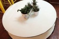 white Strind plant stand