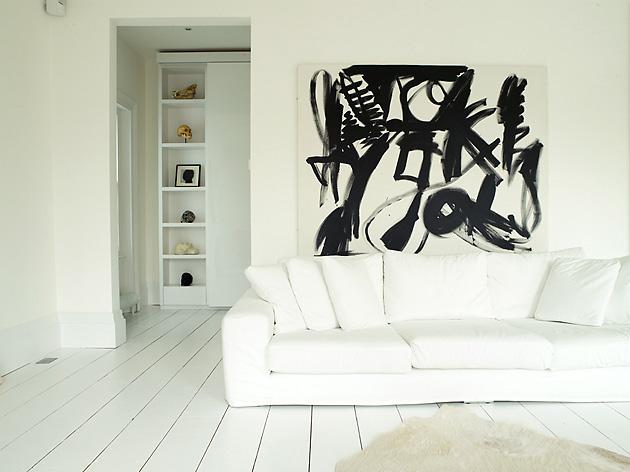 Picture Of white apartment decor  2