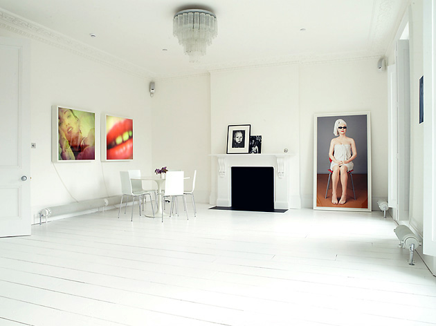 http://www.digsdigs.com/photos/white-apartment-decor-3.jpg