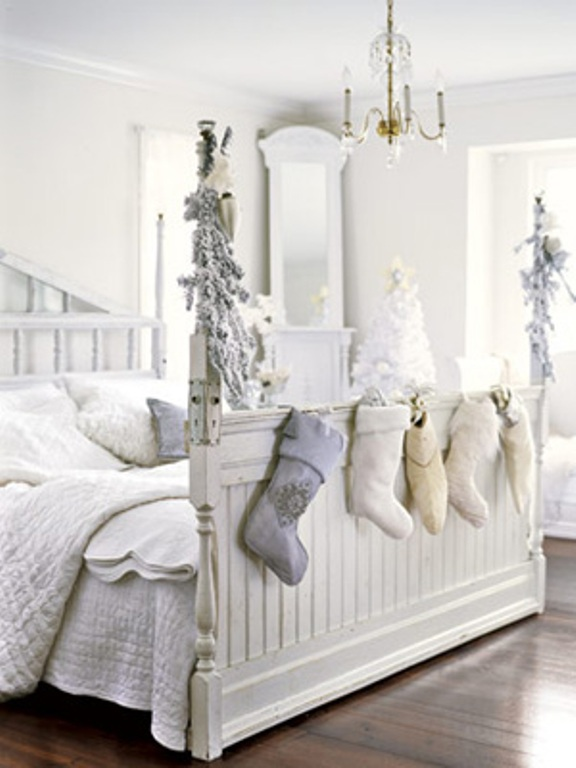 white-christmas-decorations-10.jpg