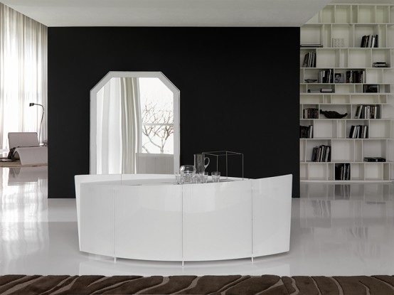 Extra-Clear White Curved Sideboard Made of Glass – Shark by Cattelan Italia