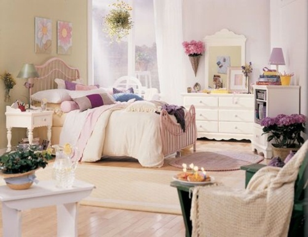 a bright spring bedroom decorated with bold blooms, greenery, colorful bedding