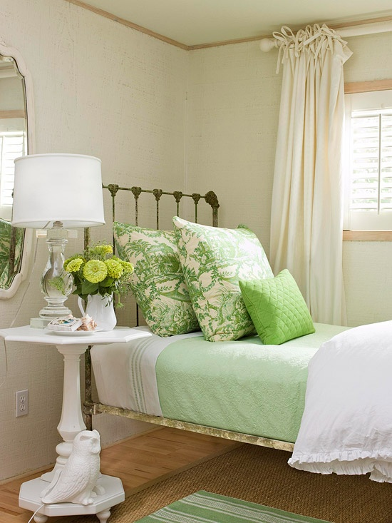 44 wonderful spring inspired bedroom decorating ideas for Small bedroom ideas pinterest