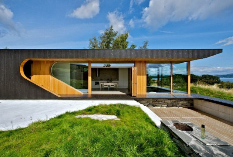 Modern wooden cabin with folding glass walls digsdigs for Residential architect