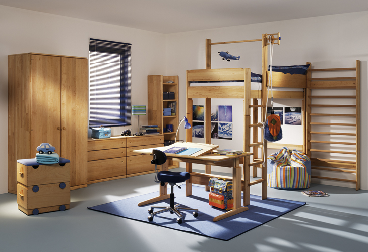 Kids Room with Wooden Furniture 730 x 500