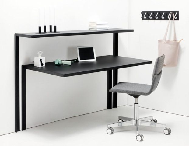 Really Practical Working Desk And Shelving System For